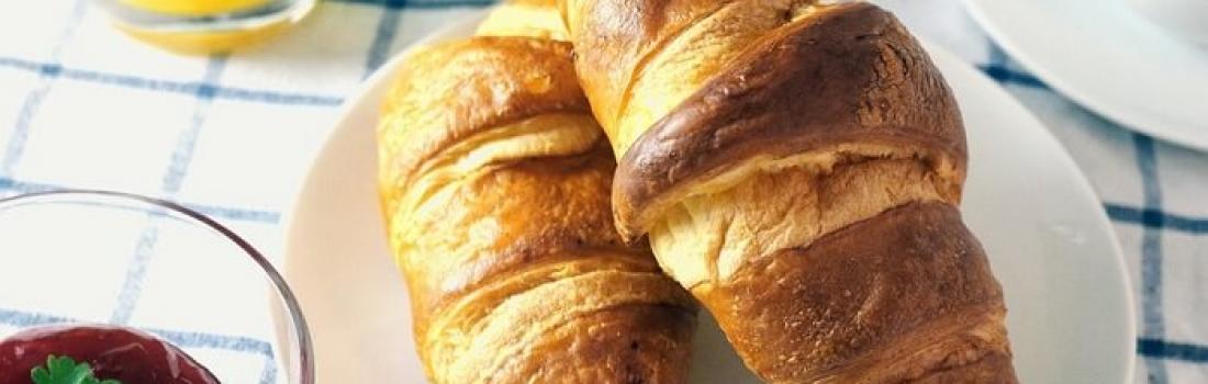 Paryskie boulangerie: top 5 wyrobów piekarniczych
