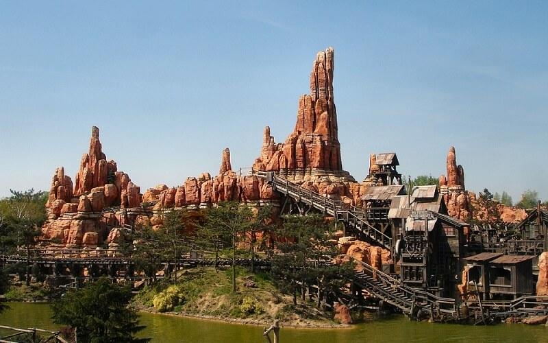 atrakcje Disneyland Paryż Frontierland