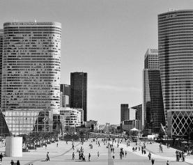 La Défense – nowoczesny obszar okręgu paryskiego