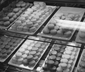 Gdzie kupić makaroniki w Paryżu? Najlepsze cukiernie