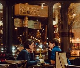 Romantyczne miejsca w Paryżu: pomysły na walentynki